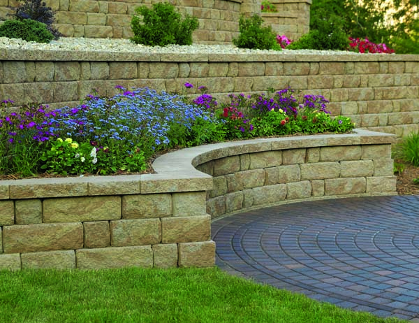 Concrete block retaining walls sacramento block pavers for Landscaping rocks sacramento