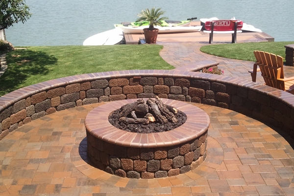 how to build a fire pit out of pavers steingrill selber bauen schaschlik grill selber bauen. Black Bedroom Furniture Sets. Home Design Ideas
