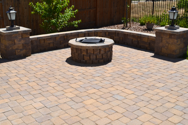 Charmant Autumn Is The Perfect Time For Gathering Family And Friends Around An Open  Fire On Your Beautifully Paved Patio And Fire Pit Area From The Paver  Company!
