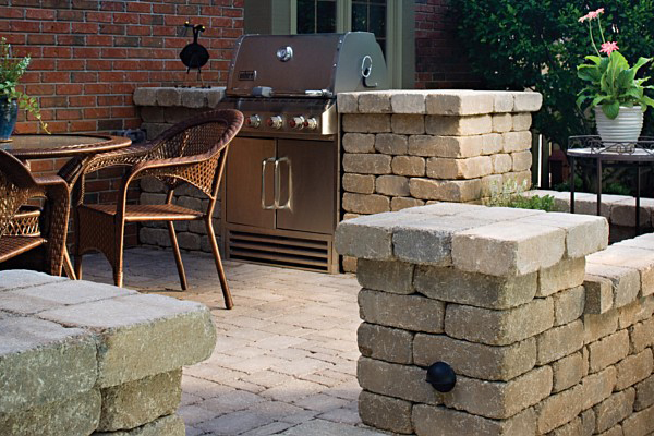Concrete block sitting wall idea gallery sacramento ca for Outdoor kitchen wall ideas