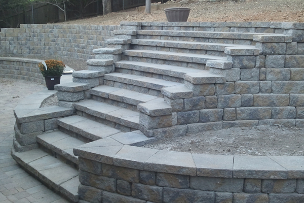 Concrete block retaining walls sacramento retaining for Landscaping rocks sacramento
